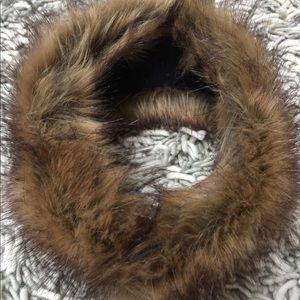 Accessories - Faux fur collar